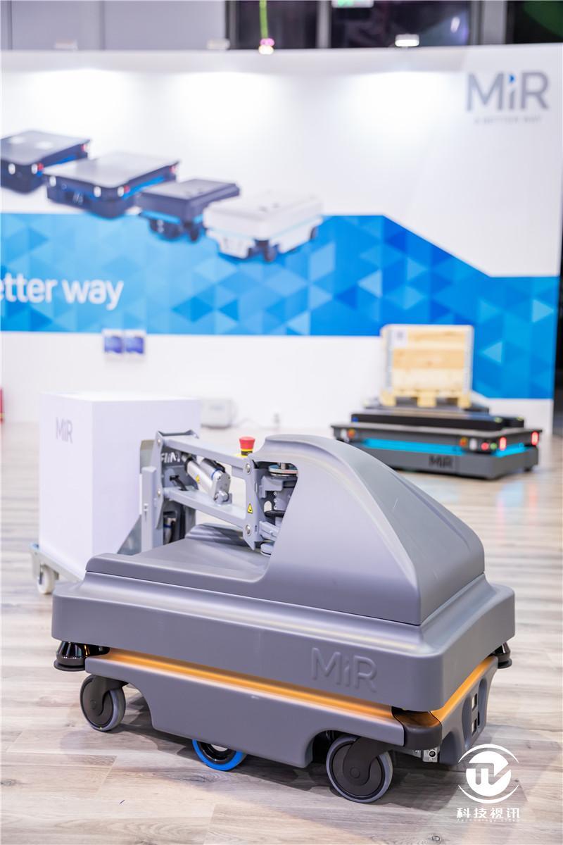 MiR携以安全性著称的机器人产品矩阵亮相2019工博会.jpg