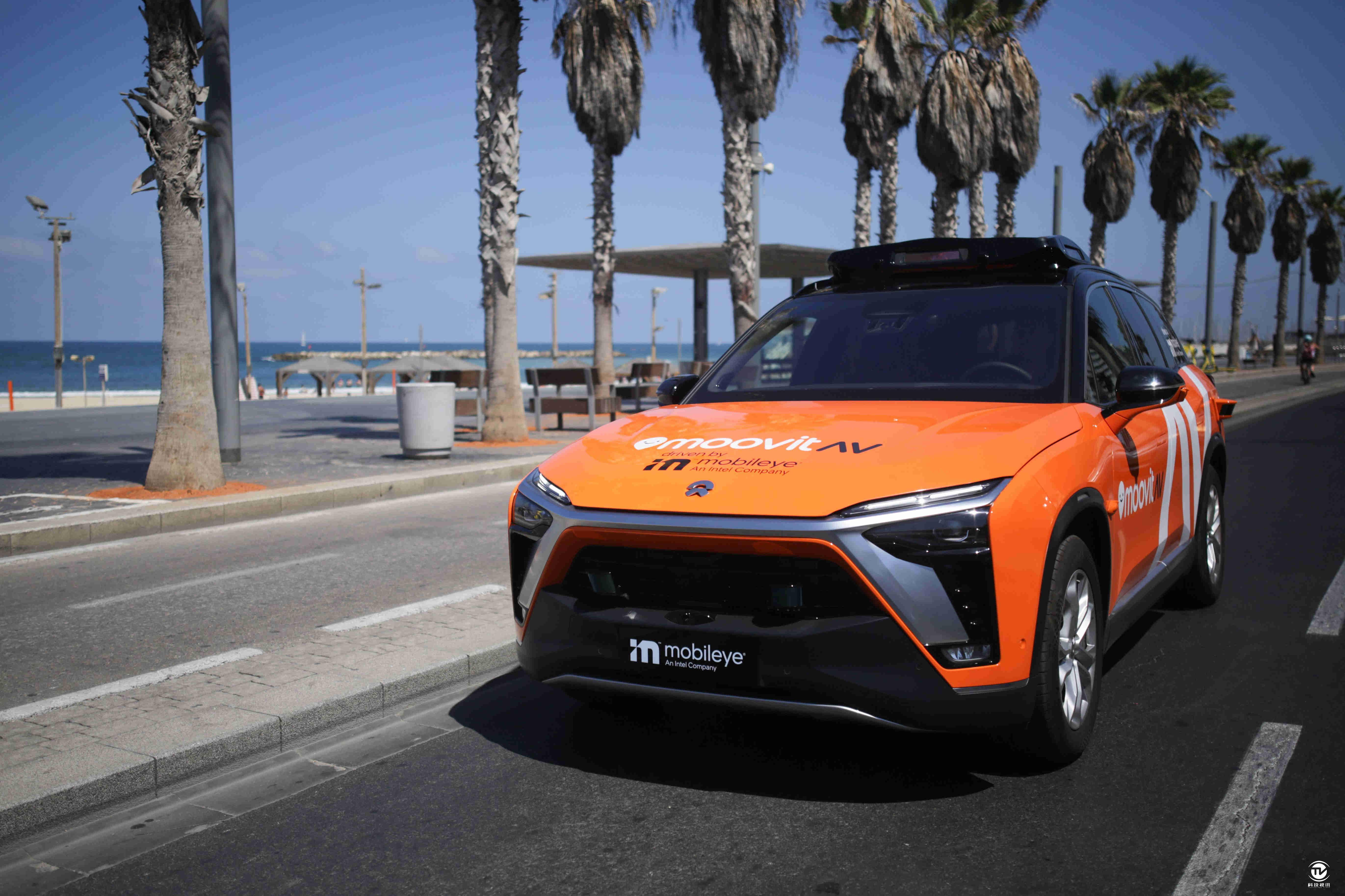 在IAA现场,Mobileye首次展示了用于自动驾驶网约车服务的量产车型。该车型将采用MoovitAV 出行服务品牌进行运营。借助与总部位于慕尼黑的SIXT Group达成的合作,这项服务预计于2022年在德国率先推出,届时消费者可体验搭载了Mobileye Drive™全栈自动驾驶系统车型的网约车服务。.jpg